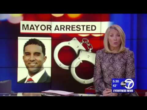 VOTE NO FOR CRIMINALLY INDICTED MAYOR RICHARD THOMAS