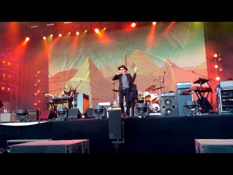 Beck - Devil's Haircut + Loser - Live At Helsinki, Finland 16.08.2015 HD/4K