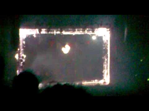 Kasabian- Swarfiga (Wembley Arena- 15/11/2009)