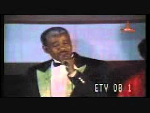 Mahamud Ahmed - Tiz Tiz Eyalegn - Live!