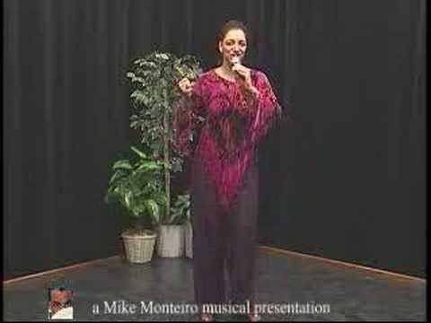 Candida Rose sings Kabu Verdi, Un Dia