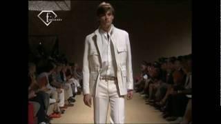 fashiontv | FTV.com - TAYLOR FUCHS - MODELS MEN SS 2009 - MILAN