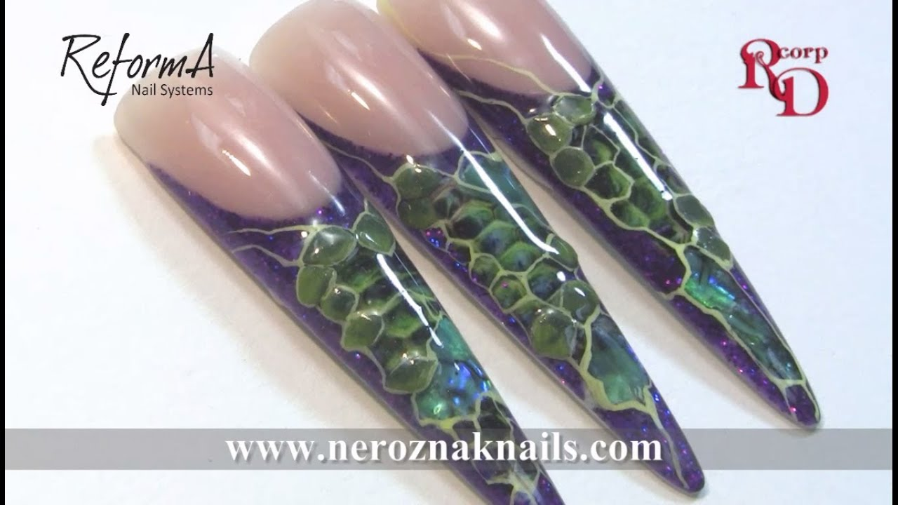 Green Snake Stilettos Nails With Emerald Shell