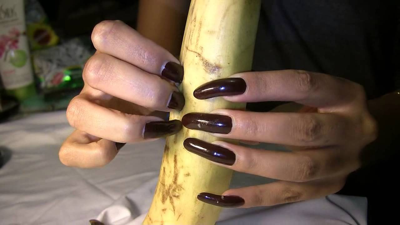 kreolla use her long nails to play with a banana (video 9) - YouTube