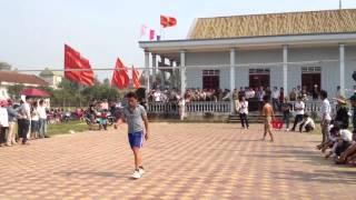 Phim | Đánh bóng chuyền bằng ghế nhựa | Danh bong chuyen bang ghe nhua