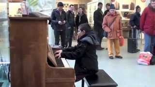 """11 year old George plays Beethoven """"Waldstein"""" Sonata No. 21, 3rd Mov. on a Street Piano!"""