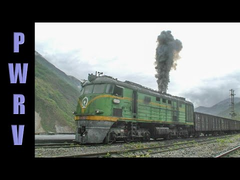 Chinese Railways - DF diesel start up at Yuexi! Very rare footage of vintage locomotive in Sichuan