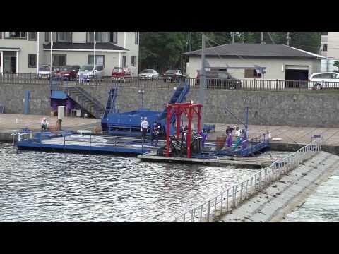インディアン水車でサケ捕獲&水揚げ @北海道千歳市 salmon fishwheel in Chitose Hokkaidoposted by tankrederz1