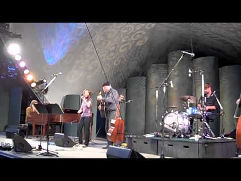 BlackAngus - Traditional Fiddle Tunes - Butchart Gardens 2010