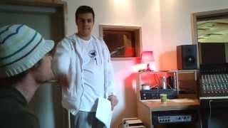 AaLiam singt im Studio (Warum ist es wahr) feat. Chris Toppa