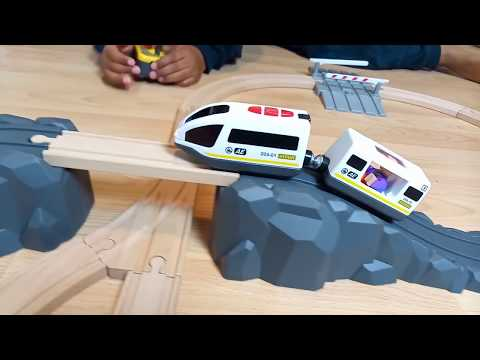 BRIO Signal station 33674,  Train with Brio Freight Goods Station  Thomas and Friends, Fun Toy Train