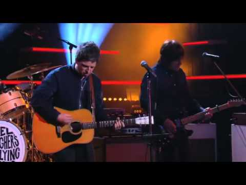 Noel Gallaghers high flying birds  live on Canal Plus -   The Dying of The Light
