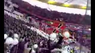 Eintracht gegen Bayern-Luftballonaktion