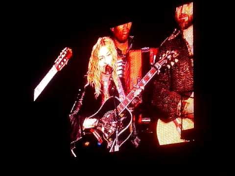 Madonna - You must love me @ Praag ( Sticky and Sweet Tour 2 ) 2009