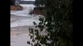 Sea Farer House in Wisconsin Dells being washed away