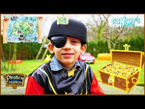 Kids Treasure Hunt with Pirate Jason, Pretend Play