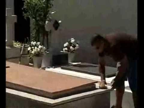 Broma en el Cementerio jaja hdp xD :P