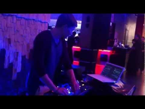 Pirupa, Hollen - Into The Darkness (Original Mix)