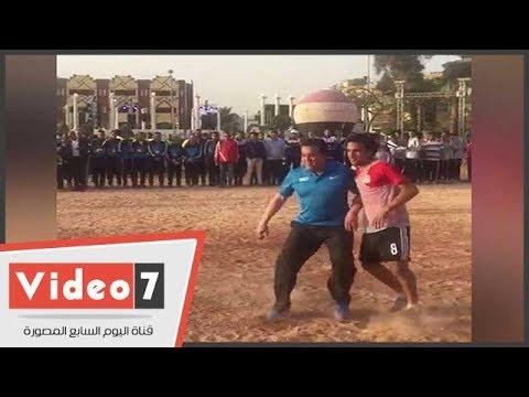 لمسات وزير التعليم العالى فى مباراة لكرة القدم أمام منتخب الجامعات
