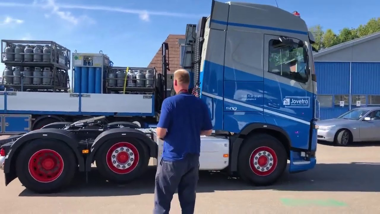 Volvo FH met Volvo Dynamic Steering + Drimote-afstandsbediening voor Jongeneel Verhuur & Transport