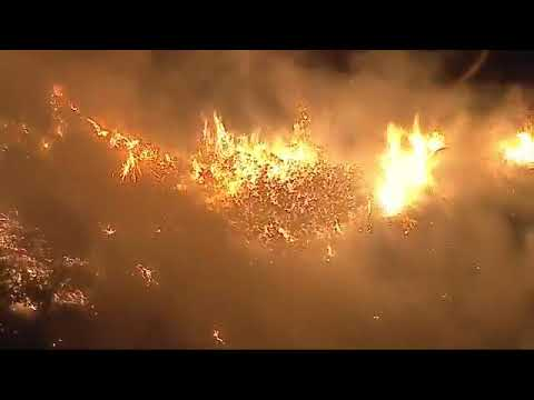 Car Over Side Ignites Brush Fire Near Simi Valley