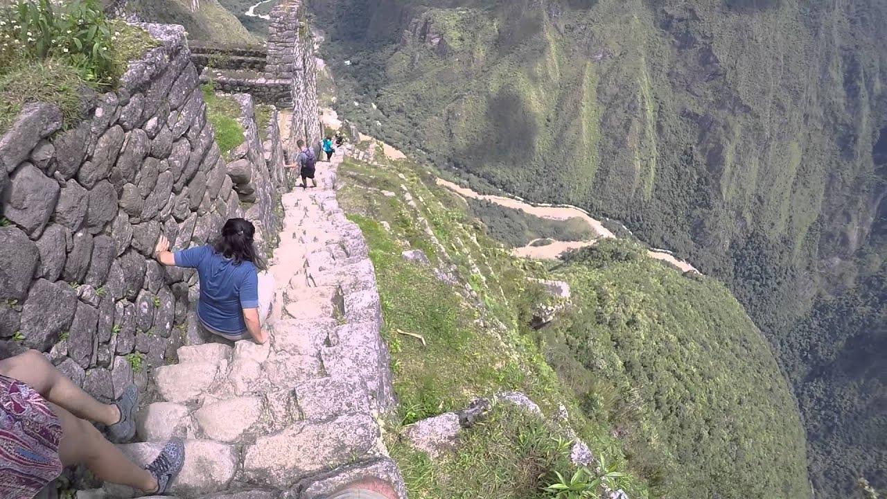 Machu Picchu   Very Steep Stairs. Climbing Down Huaynapicchu
