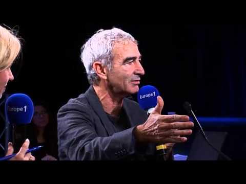 """Raymond Domenech """"J'ai lu le texte des joueurs à Knysna pour me débarrasser!"""""""