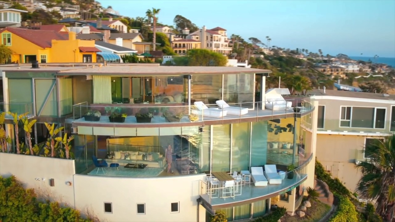 Paul mcclean designed floating glass house in laguna beach for Houses in laguna beach