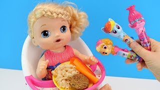 ЧУПА ЧУПС ЗА СМЕЛОСТЬ! #Кукла Беби Элайв Пробует Новую Еду Кормим куклу Играем Как Мама