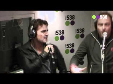 Lange Frans ft.  Jeroen van der Boom - Een Nieuwe Dag (live bij Evers Staat Op)