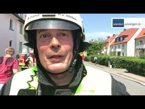 Feuerwehr Soest löscht Dachstuhlbrand an Briloner Straße