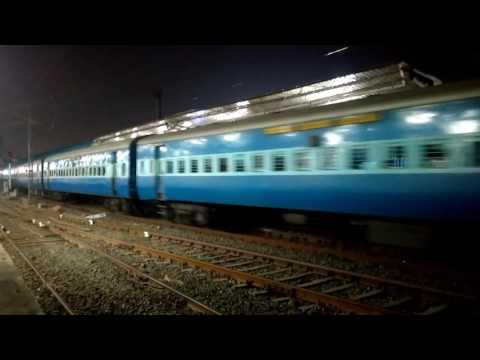 Departing From PF 2 At Bandra Terminus 22927 Dn Lokshakti S/F Express