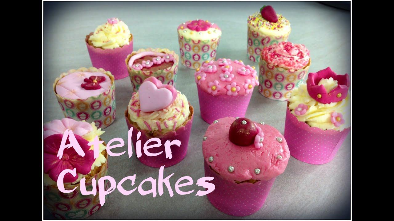 cupcakes la vanille couverts de pte sucre et de crme au beurre - Cupcake Colorant Alimentaire