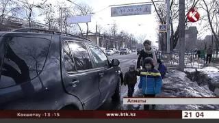 Детские автокресла стали самым ходовым товаром в стране(Официальный канал Новостей КТК на Youtube Смотрите новости телеканала КТК онлайн на www.KTK.kz., 2015-01-09T16:27:45.000Z)