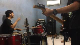 Bondan Prakoso and Fade 2 Black - S.O.S (cover by Bilardo Band)