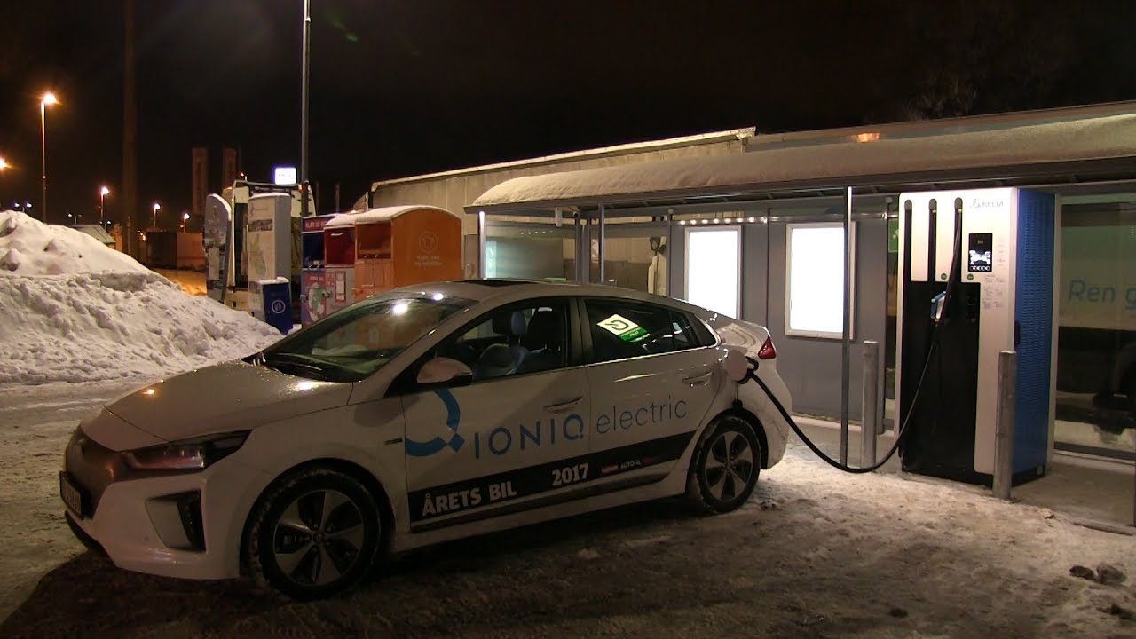 Hyundai Ioniq charging on 120 kW fast charger
