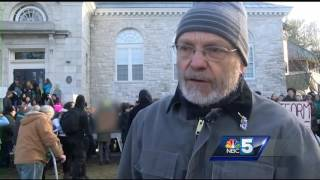 Hundreds of Middlebury students protest school speaker
