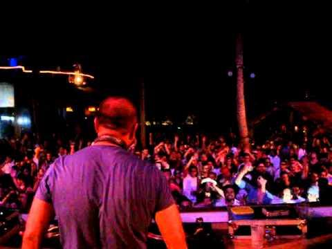 DJ SANJAY DUTTA @Sunburn 11(vid 2) Classic Trance MOV02761.MPG