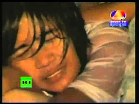 Kinh hoàng Campuchia_Người chết và người sống kẹt cứng trên cầu