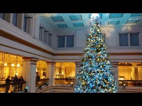 Chicago Macy's Christmas Tree The Walnut Room original Marshall Field
