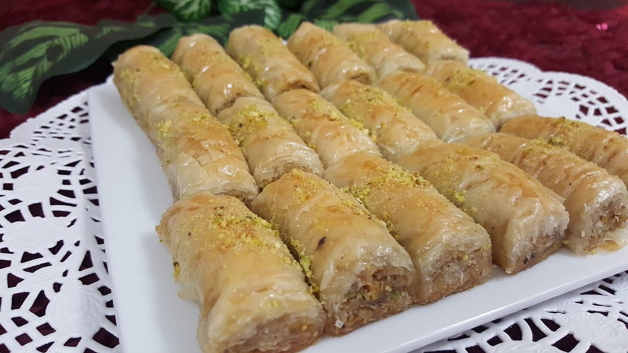 اصابع البقلاوة التركية بعجينة الفيلو بطريقة سهلة وسريعة ولذيذة ومقرمشة Turkish Baklava Youtube Yummy Food Food Hot Dog Buns