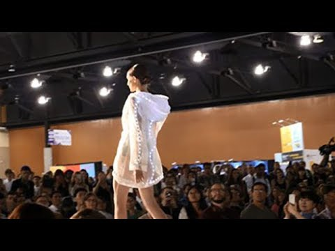 Wearables in Smart Fabrics Fashion Show - 2018 MRS Spring Meeting