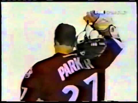 Hockeyfighters.cz  Jean Luc Grand Pierre vs Scott Parker.wmv