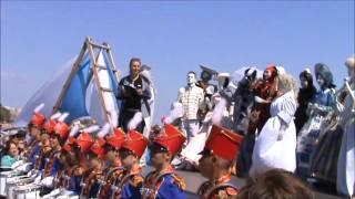 ПАРАД ЖИВЫХ СКУЛЬПТУР В  ЕВПАТОРИИ(Живые скульптуры, сказочные великаны ,бразильский карнавал теперь проходит в Евпатории!!!, 2016-05-02T13:56:15.000Z)