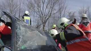Verkehrsunfallübung der  A20 Feuerwehren im Kreis Segeberg Feuerwehrübung