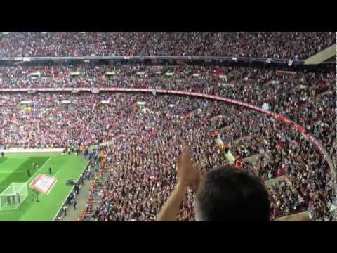 Bubbles at Wembley, West Ham fans
