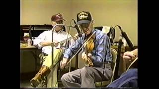 Jam Session and Dance at Wien, MO (clip #5) Pete showing some tunes in Bb & Eb