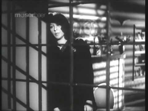 film afsana 1951..lata mangeshkar:aaj kuch esi chote lagi hai (video)