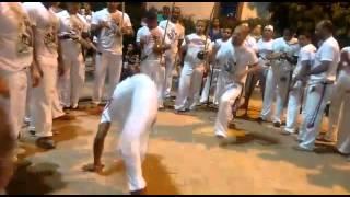Se o gunga chamar jogo de capoeira