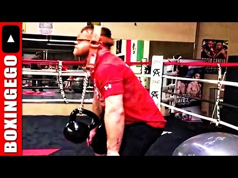 """CANELO STRONG NECK EXERCISE KETTLEBELLS! ALVAREZ: """"I'LL STAY AT 160 LBS (MIDDLEWEIGHT)"""" -BOXINGEGO"""